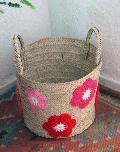Panière personnalisable fleurs crochet