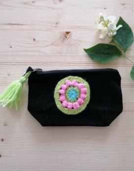 Trousse-de-voyage-noir-crochet