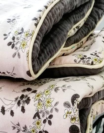 couverture-bebe-petites-fleurs