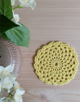 Napperon-jaune- crochet