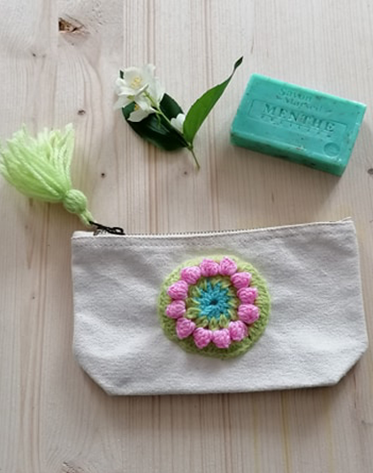 Trousse-ecrue-rond-crochet