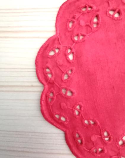 napperon-rouge-detail