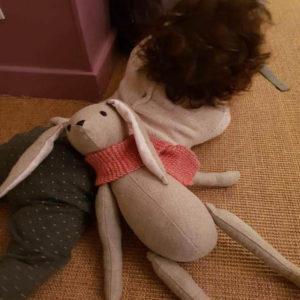 Deco chambre enfant grand lapin articulé